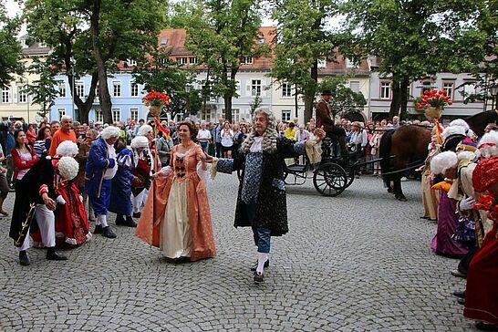 16 Barockes Schlossgartenfest - Markgräfin Magdalena Wilhelmine verabschiedete vor großem Publikum ihren Gemahl Karl Wilhelm. (125 Fotos)