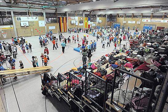 21 Integrativer Handballtag - Im Jahr des Frauen- und Mädchenhandballs 2009 platzte die Weiherhalle am 21. Oktober 2009 aus allen Nähten. (28 Fotos)