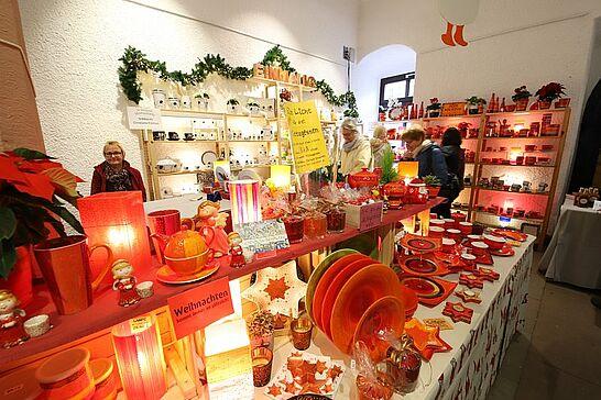 08 Durlacher Martinsmarkt - Der vorweihnachtliche Durlacher Martinsmarkt im Rathausgewölbe lädt bereits zum 28. Mal in die historische Markgrafenstadt ein. (47 Fotos)