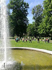 Bewegte Apotheke im Durlacher Schlossgarten. Foto: om