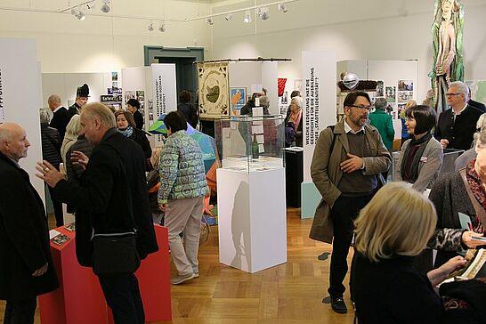"""23 Pfinzgaumuseum: Museumsfest & """"Karlsruher Heimaten"""" - Im Pfinzgaumuseum wurde die Doppelausstellung """"Karlsruher Heimaten"""" eröffnet und das Museumsfest fand statt. (116 Fotos)"""