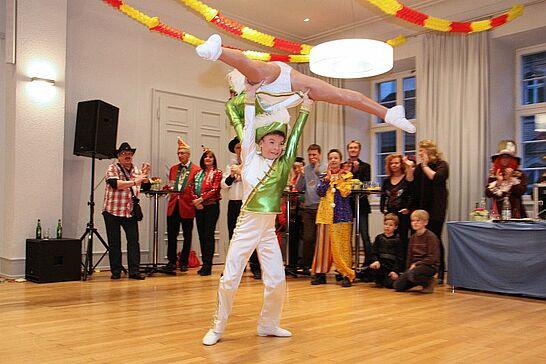 02 Rathausfastnacht - Traditionell lädt das Stadtamt Durlach im Rahmen des Durlacher Fastnachtsumzugs Gäste und Karnevalsgruppen zur Rathausfastnacht ein. (81 Fotos)