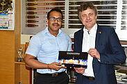 Gedankenaustausch: Kunal Kumar, Chief Commissioner in der Pune Municipal Corporation (PMC), und OB Dr. Frank Mentrup. Foto: Pflieger