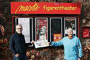 """Leiter der """"Marotte"""", Thomas Hänsel, freute sich über die Spende, die ihm von Monika Haug als Erste Vorsitzende der Bürgergemeinschaft überreicht wurde. Foto: pm"""