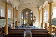 In den Kirchen, wie hier in der Stadtkirche Durlach, gilt es, die Abstandsregel von 1,5 Metern einzuhalten. Zudem werden Alltagsmasken empfohlen, sie sind jedoch keine Pflicht. Foto: cg