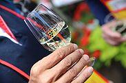 Das WeinWanderglas konnte gleich gefüllt werden. Foto: cg