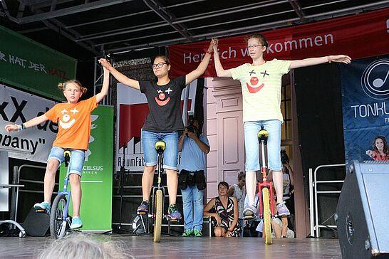 07 Durlacher Altstadtfest – Eröffnung (II) - Das 41. Durlacher Altstadtfest wurde mit Regenschauern und Stromausfall auf dem Marktplatz eröffnet. (61 Fotos)