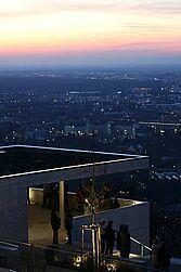 Beliebt: die Terrasse auf dem Turmberg. Foto: cg