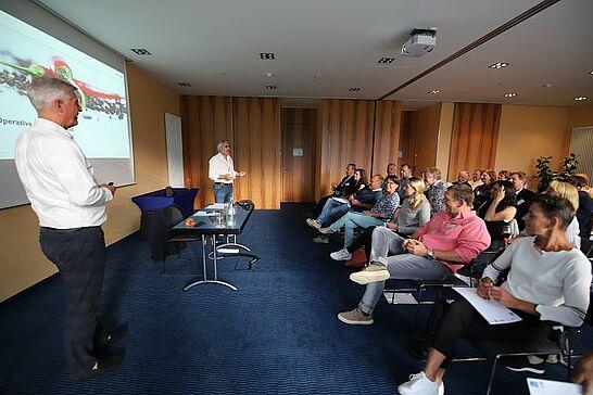 """11 27. FORUM DurlacherLeben - Thema """"Operative Servicequalität"""" mit Top Speaker Jean Ploner im Hotel der Blaue Reiter. (40 Fotos)"""