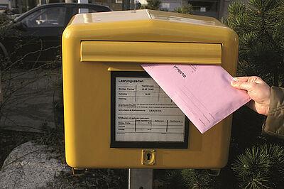 Künftig gibt es in Karlsruhe weniger Urnenwahlbezirke. Foto: pia