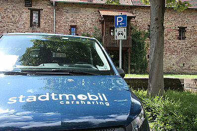 """Neues Verkehrszeichen """"Carsharing"""". Foto: om"""