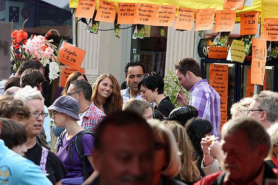 02 Durlacher Altstadtfest - Samstagstour - Eines der größten Straßenfeste in der Region mit über 30 Vereinen, auf ca. 15 Bühnen Live-Musik und reiches Bewirtungsangebot. (91 Fotos)