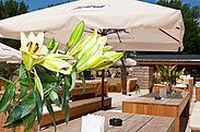 hubRaum Durlach – Beach-Outdoorbereich im Sommer. Foto: pm