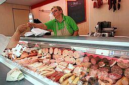 Wochenmarkt auf dem Durlacher Marktplatz. Foto: cg