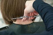 Ab dem 4. Mai dürfen Friseure wieder öffnen. Was es hierbei zu beachten gilt, hat nun die Landesregierung veröffentlicht. Foto: jacqueline macou / Pixabay