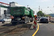 Großbaustellen wie der Umbau der Kreuzung Durlacher Allee/Weinweg forderten 2020 häufig die Geduld der Verkehrsteilnehmer. Foto: cg