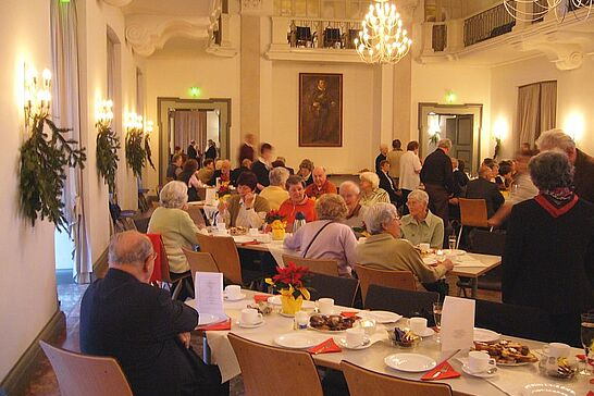 Dezember - Im Dezember 2007 feierte das Seniorenbüro Durlach e. V. sein 10-jähriges Jubiläum. (1 Galerie)