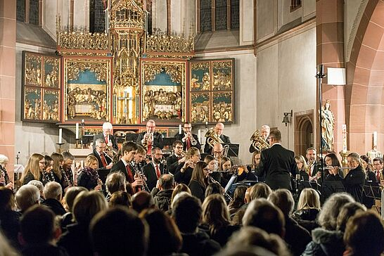 """24 """"Erhellend"""" – Kirchenkonzert des Musikforums Durlach - Die Bläserphilharmonie Durlach gab in der Kirche St. Peter und Paul ihr diesjähriges Kirchenkonzert. (30 Fotos)"""