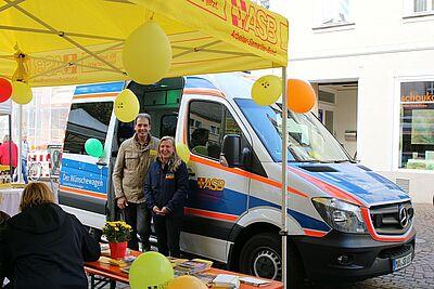 """Auch schon auf dem """"Markt der Möglichkeiten"""" in Durlach präsent: der Wünschewagen des ASB. Foto: cg"""