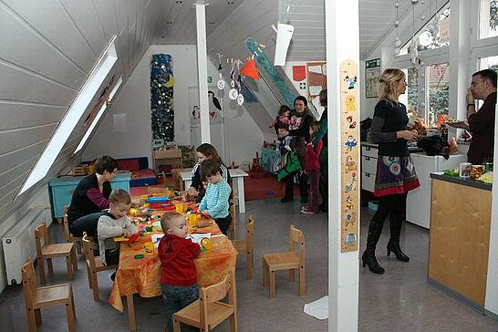 12 Tag der offenen Tür im KJH Durlach - Das Kinder- und Jugendhaus (KJH) präsentierte sich an diesem Tag allen Interessierten - ob jung oder alt. (23 Fotos)