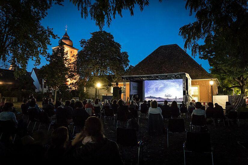 Ein Highlight beim Kultursommer wird wieder das PLANETARIUM Durlach mit seiner Astro-Show sein. Diese findet 2021 nicht auf dem Alten Friedhof, sondern im Schlossgarten statt. Foto: cg