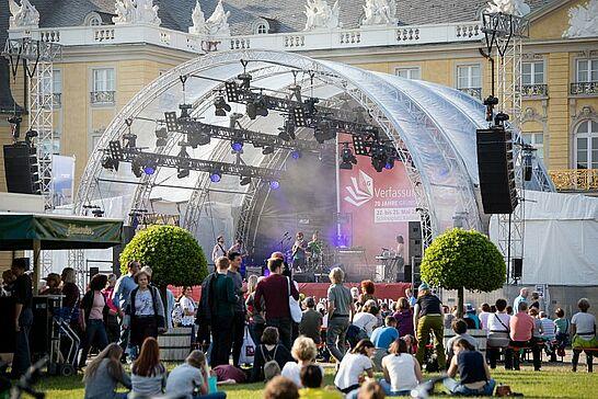 """25 VerfassungsFEST """"70 Jahre Grundgesetz"""" - In der """"Residenz des Rechts"""" wurde der 70. Geburtstag des deutschen Grundgesetzes mit einem großen Fest gefeiert. (50 Fotos)"""