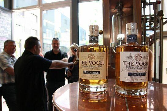 17 Whiskybrennen im Vogel Hausbräu Durlach - 10 Jahre Vogel Hausbräu Durlach – Happy Birdsday! Pünktlich zum Jubiläum wurden die beiden neuen THE VOGEL Whiskys vorgestellt. (19 Fotos)