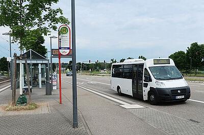 Buslinie 118: Vormittags wird im Wechsel mit den üblichen Linienbussen auch ein Minibus eingesetzt. Foto: pm