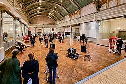 Vernissage: Kunstparcours in Durlach (Standort: Festhalle). Foto: cg