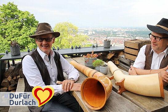 """09 #DuFürDurlach – Alphornklänge auf dem Turmberg - Samstagfrüh haben wir die Gruppe """"SennerJazz"""" vom Musikforum Durlach auf dem Turmberg getroffen. (1 Video)"""