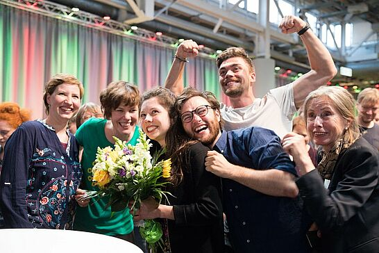 27 Kommunalwahl: Bekanntgabe der Wahlergebnisse für Karlsruhe - OB Dr. Frank Mentrup präsentierte in der Gartenhalle die Ergebnisse der Kommunalwahl 2019. (57 Fotos)