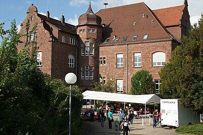 Das alte Laborgebäude beim Tag der offenen Tür des LTZ Augustenberg. Foto: cg