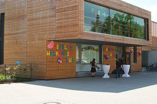 24 Vorstellung Schülerhort Weiherhof - Offizielle Eröffnung des Neubaus des Schülerhorts und der Sozialpädagogischen Gruppenarbeit im Weiherhof. (50 Fotos)