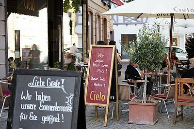 Auch die Durlacher Gastronomen profitieren von der Satzungsänderung. Foto: cg