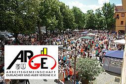 Kruschtlmarkt vor der Karlsburg. Foto/Grafik: cg