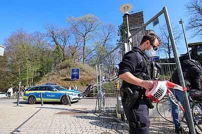Am Ostersonntag musste die Turmbergterrasse gegen Spätnachmittag gesperrt werden. Foto: Thomas Riedel