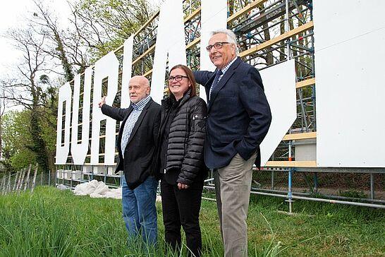 """17 Übergabe des Schriftzugs """"DURLACH"""" - Offiziell wurde das Stadtteilprojekt auf dem Turmberg an die Bevölkerung übergeben. (33 Fotos)"""