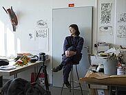 Blick ins Atelier mit der künstlerischen Leiterin Brigitte Reisz. Foto: pm