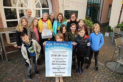 2.181,61 Euro durfte das Kinder- und Jugendhaus Durlach entgegennehmen. Foto: cg