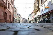 Durlacher Pfinztalstraße zu Beginn der Corona-Epidemie. Foto: cg