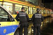 Uniformierte Kräfte der Polizei unterstützen die Schwerpunktkontrollen. Foto: VBK