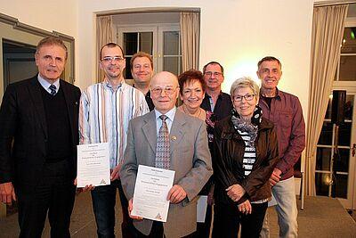 EB Wolfram Jäger mit sieben geehrten ARGE-Vorstandsmitgliedern. Foto: cg