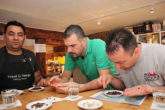 """12 Turnerschaft bei Kaffeeseminar im """"Trova il Tempo"""" - Betreuer der Durlach Turnados wurden von Heike und Aristotelis Tolikas zum genussvollen Kaffeeseminar eingeladen. (67 Fotos)"""