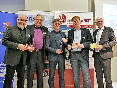 Von links: Martin Wacker (Geschäftsführer KME), Prof. Dr. Hansgeorg Schmidt-Bergmann (Leiter des Museums für Literatur am Oberrhein), OB Dr. Frank Mentrup; Daniel Wensauer-Sieber (Initiativkreis Forum Recht) und Klaus Hoffmann (Geschäftsführer KTG). Foto: pm