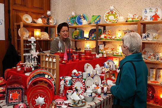 11 Durlacher Martinsmarkt - Der vorweihnachtliche Martinsmarkt im Rathausgewölbe und der stimmungsvolle Sankt-Martins-Umzug luden 2010 bereits zum 20. Mal ein. (29 Fotos)