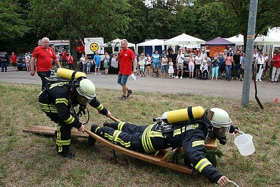 22 Hansa-Fest Aue mit Schubkarrenrennen - Die ARGE Aue lud zum 5. Hansa-Fest mit dem traditionellen Schubkarrenrennen ein. Durlacher.de war an beiden Tagen wieder mit der Kamera dabei. (123 Fotos)