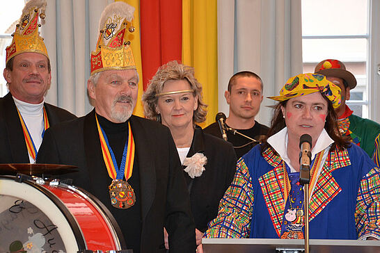 06 Rathausfastnacht (II) - Traditionell lädt das Stadtamt Durlach im Rahmen des Durlacher Fastnachtsumzugs Gäste und Karnevalsgruppen zur Rathausfastnacht ein. (13 Fotos)