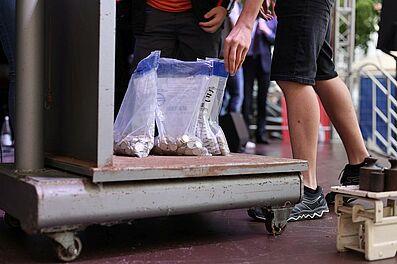 22,5 kg Spenden-Münzgewicht kam bisher zusammen – die Aktion läuft aber noch weiter. Foto: cg