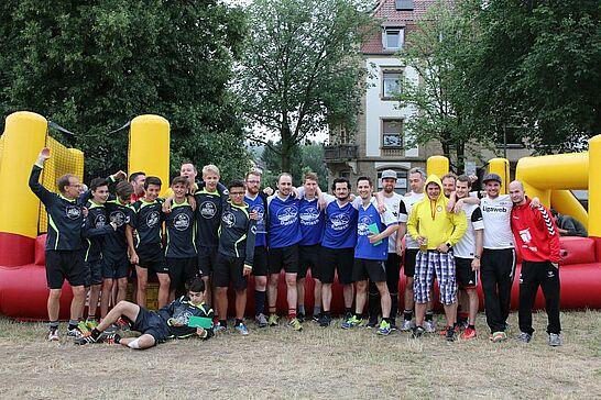 Juli - 1. Juli 2017: Durlacher.de feierte sein 10-jähriges Bestehen auf den Tag genau mit dem 5. Menschen-Kicker-Turnier, ein Woche später fand das Altstadtfest statt. (10 Galerien)