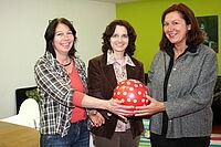 v.l.: Irmgard Schucker-Hüttel (KJH), Andrea Elicker-Kurz (Ev. Kirchengemeinde Luther- Melanchthon ) und Barbara Menert (AWO Karlsruhe). Foto: om